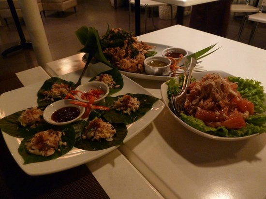 Thaipan: Crab on betel leaves, crablets & that fruit like grapefruit with prawns only it was chicken!