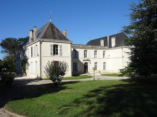 Chateau la Mothe Charente: façade est