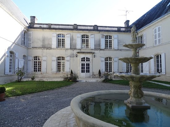 Chateau la Mothe Charente: façade sud