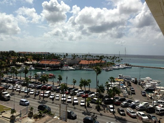 Renaissance Aruba Resort & Casino: View from the 6th floor in the marina (adults) side