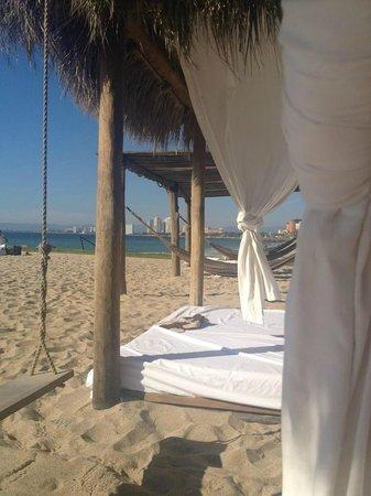 Villa Premiere Boutique Hotel & Romantic Getaway: Beach Cabanas