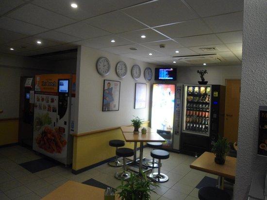 Ibis Budget Charleroi Aeroport: Reception Area