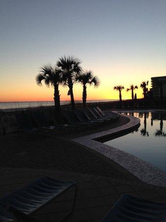 Hampton Inn & Suites Orange Beach: Sunset from the hotel patio