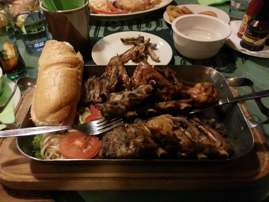 Radnicni sklipek: spicy chicken, ribs, sauerkraut,  garlic bread... tray of meat!