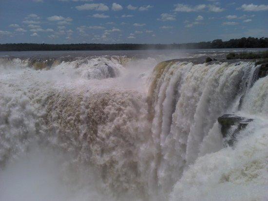 Iguazu Falls: garganta del diablo....impresionante