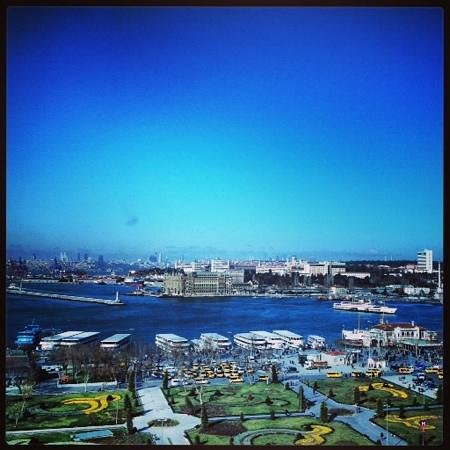 DoubleTree by Hilton Istanbul - Moda : view from a corner room