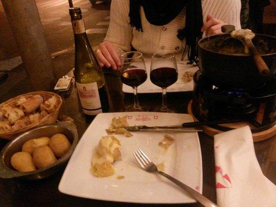Le Chalet Savoyard : Fonduta e vino