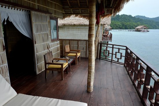 Papua Paradise Eco Resort : Deck.....heaven