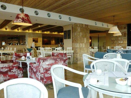 Byblos Sur Mer: salle du petit déjeuner