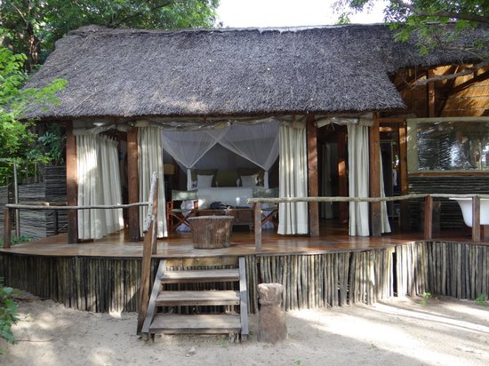 Sindabezi Island : Suite from front