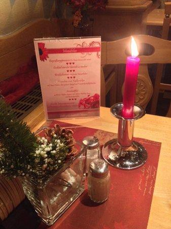 Paulaner Wirtshaus: Candles everywhere