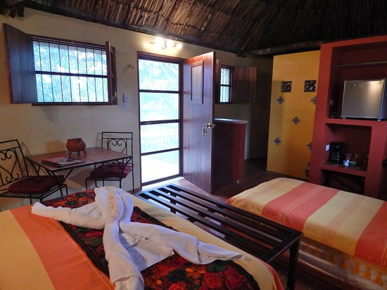 The Pickled Onion B&B & Restaurant: Inside a traditional Maya house with extra luxuries