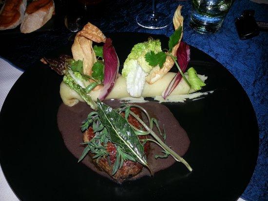 La Suite Villa : plat repas du soir.