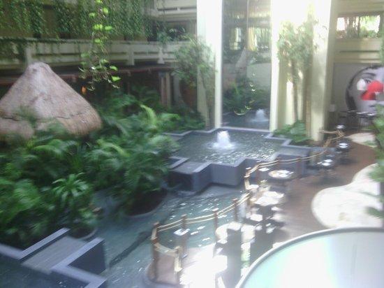 Paradisus Cancun : Área interna do hotel