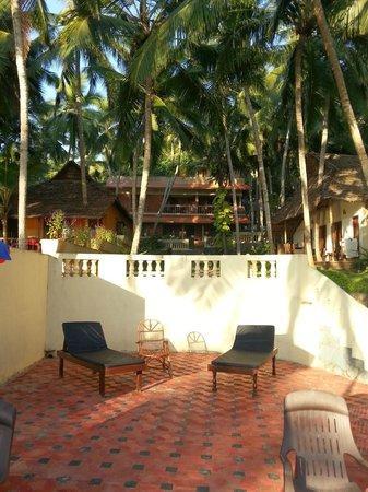 Kadaltheeram Beach Resort: The main house and the Kerala House