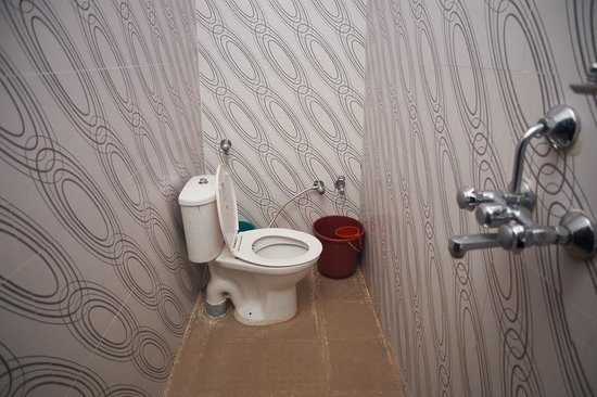 Mangla Guest House: Bathroom