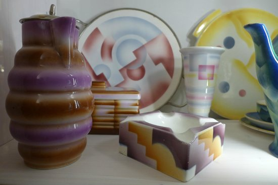 Museum der Dinge : display of cheramics