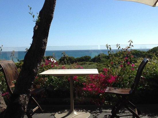Pullman Bunker Bay Resort Margaret River Region: terrace with bouganvillea