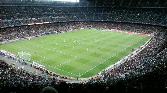 Avantgarde Limousine Tours: football Barcelona transport to stadium www.avantgardelimousinebarcelona.com