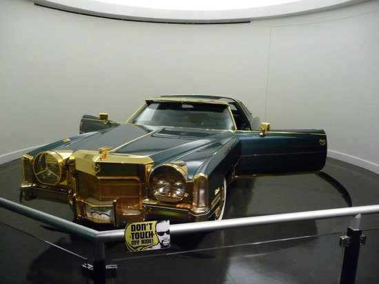 Stax Museum of American Soul Music : Cadillac di Isaac Hayes