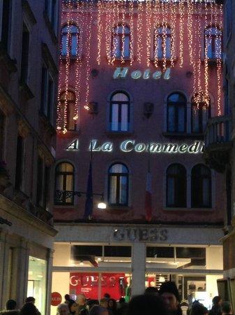 Hotel a La Commedia: O Hotel