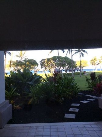 Fairmont Orchid, Hawaii: patio view from our room