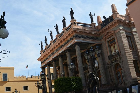 Juarez Theater (Teatro Juarez): sin duda uno de los màs hermosos teatro de Mèxico. aunque cerrado al pùblico, su fachada es, sin
