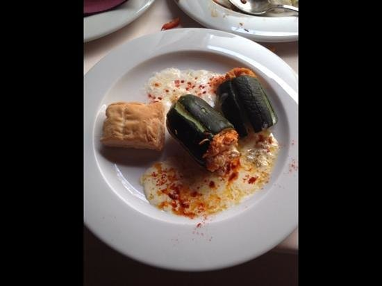 Restaurante La Herradura : stuffed courgette, a marvelous mini marrow!
