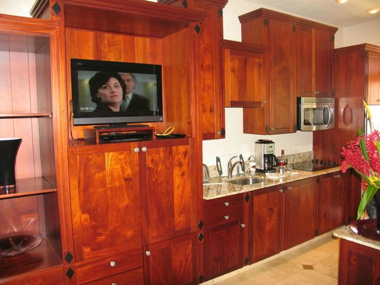 Parrot Tree Beach Resort: cuisine complète