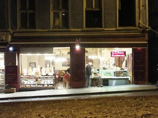 Sultanmehmet Lokanta: Restaurant's facede
