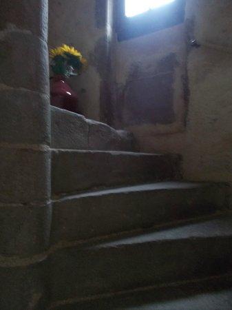 La Tour : Spiral stone staircase