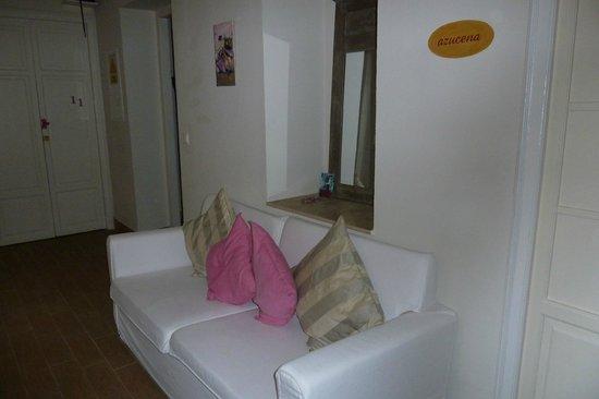 Plaza Santa Cruz Hostel: Pasillo