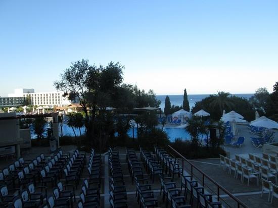 Aldemar Amilia Mare Family Resort : территория отеля