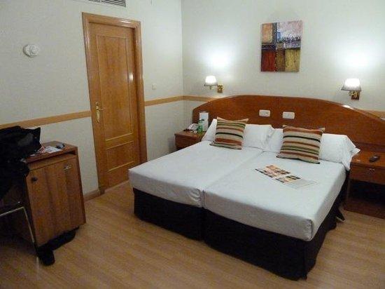 Hotel Regina : Standard Room 424
