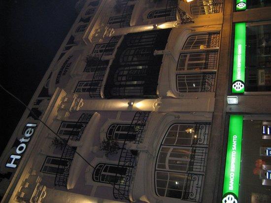 Internacional Design Hotel : Facade coté rue