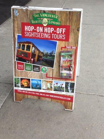 Blue Horizon Hotel: Trolley Stop