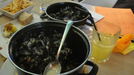 Passy Grill : Moules frites :)