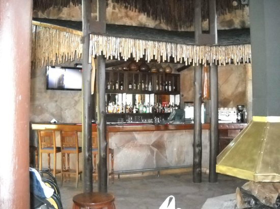 Sarova Mara Game Camp: Bar