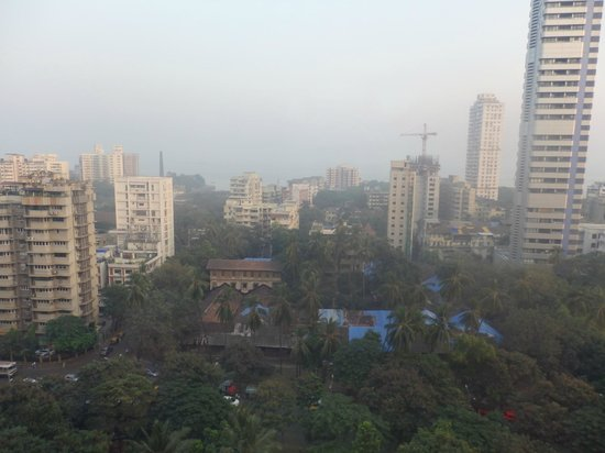 Vivanta by Taj - President, Mumbai: View from our room across the city !!