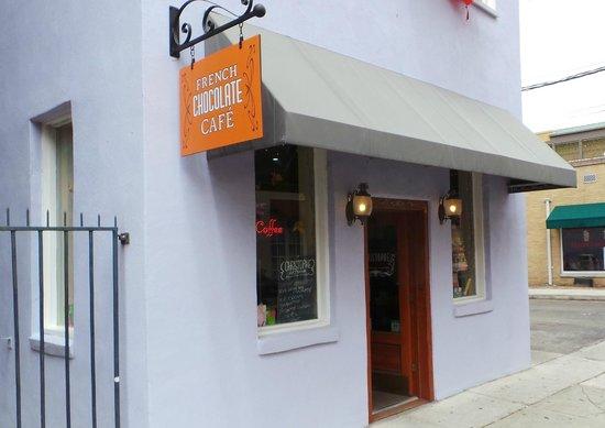 Christophe Patissier-Chocolatier: Simple, unpretentious shopfront...