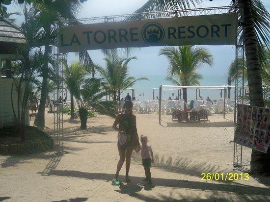Resort La Torre: ingreso a la playa exclusiva del hotel