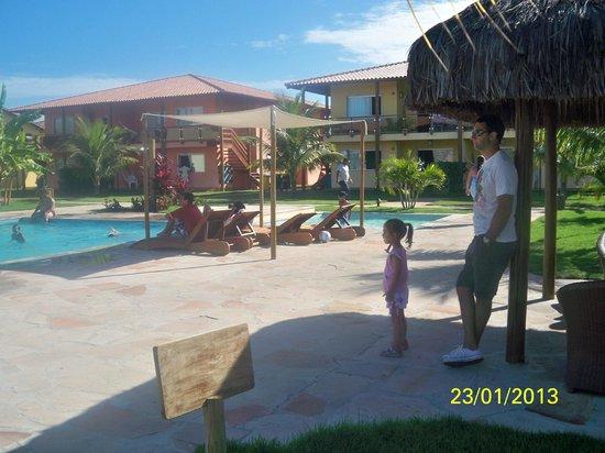 Resort La Torre: piscinas zona posterior al ingreso (condominio)