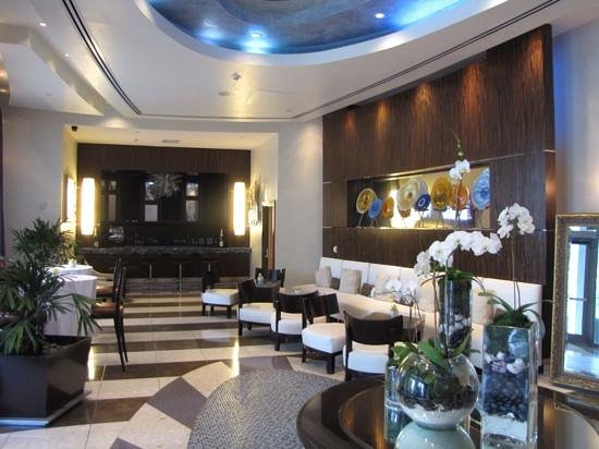 Residence Inn Fort Lauderdale Intracoastal/Il Lugano: Beautiful lobby & bar