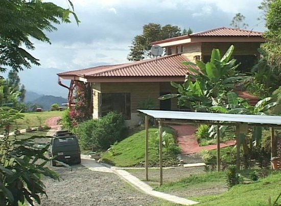 Casa Botania Bed & Breakfast: The grounds are gorgeous!