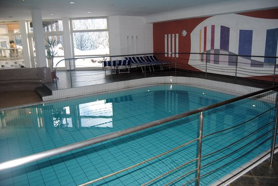 la piscina dell'Hotel Zirm