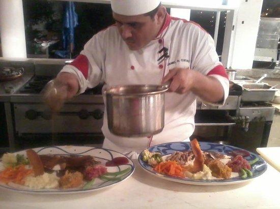 Mismaloya Grill: Traditional Thanksgiving dinner since 1996