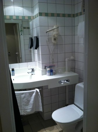 Copenhagen Mercur Hotel : bathroom