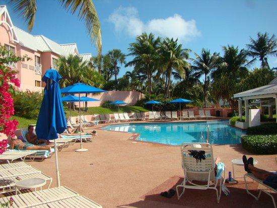 Comfort Suites Paradise Island: Pool