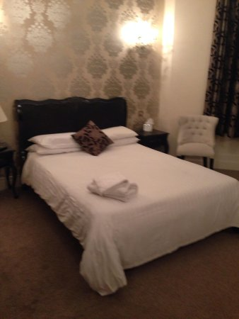 The Southcrest Manor Hotel: And again
