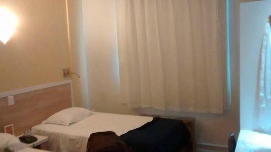 Go Inn Manaus : Quarto com duas camas de solteiro